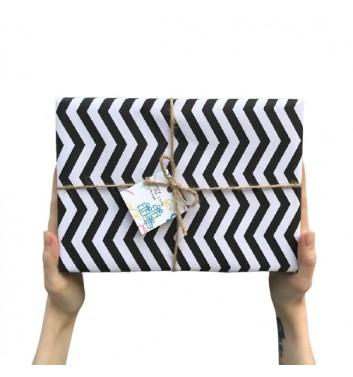Упаковка в бумагу Black and White ZigZag