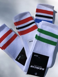 белые носки